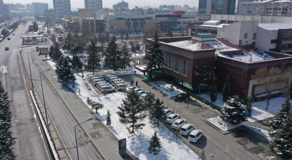 Kayseri Büyükşehir'den filyasyon ve aşılamaya 24 yeni araç