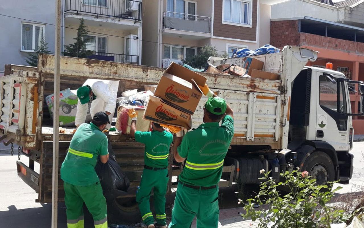 Bursa Osmangazi'deki çöp ev temizlendi