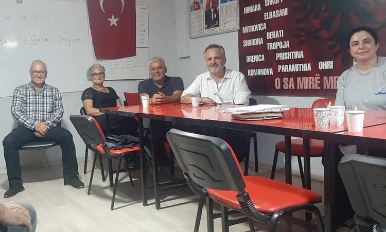 Dil kültürünün yok olmaması için İzmir'de Arnavutça dersleri