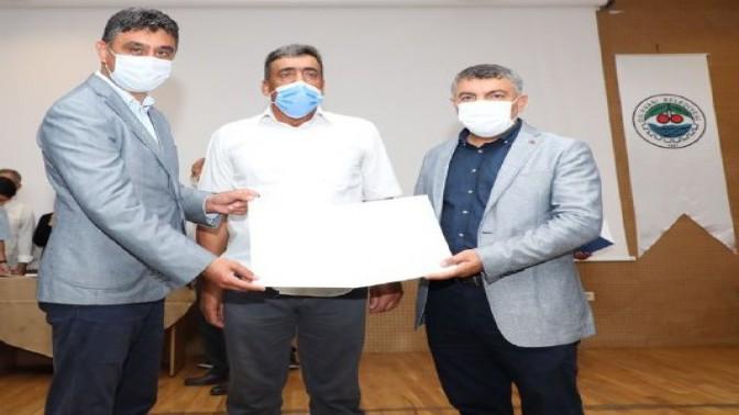 DİLOVASI'NDA 240 KURSİYER BELGESİNİ ALDI