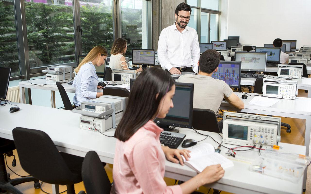 Gençler, dijitalleşmeye uygun eğitim şekli bekliyor
