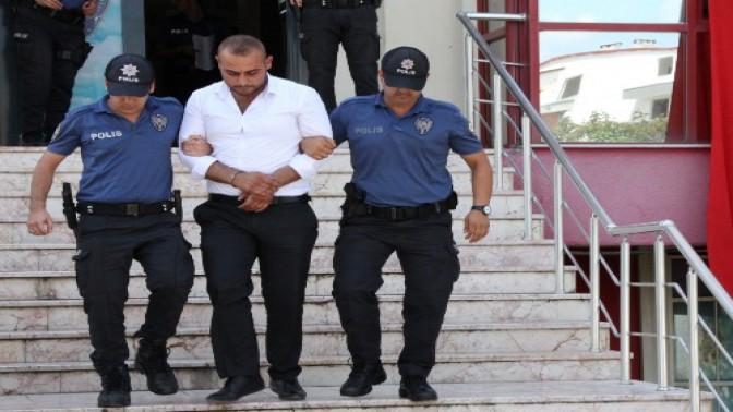 MUHTARIN KURNAZLIĞI POLİSE SÖKMEDİ