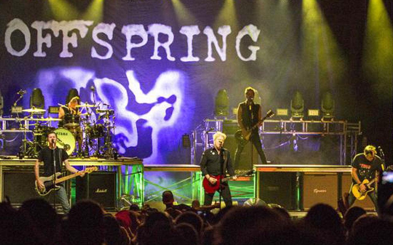 Offspring'in aşısız davulucusu gruptan çıkarıldı