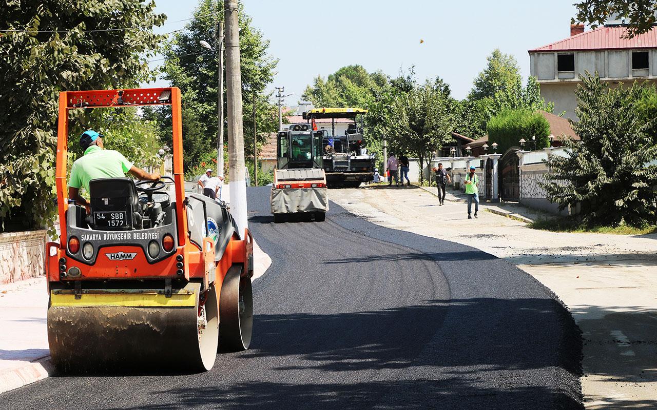 Sakarya Akyazı'da asfalt serimi