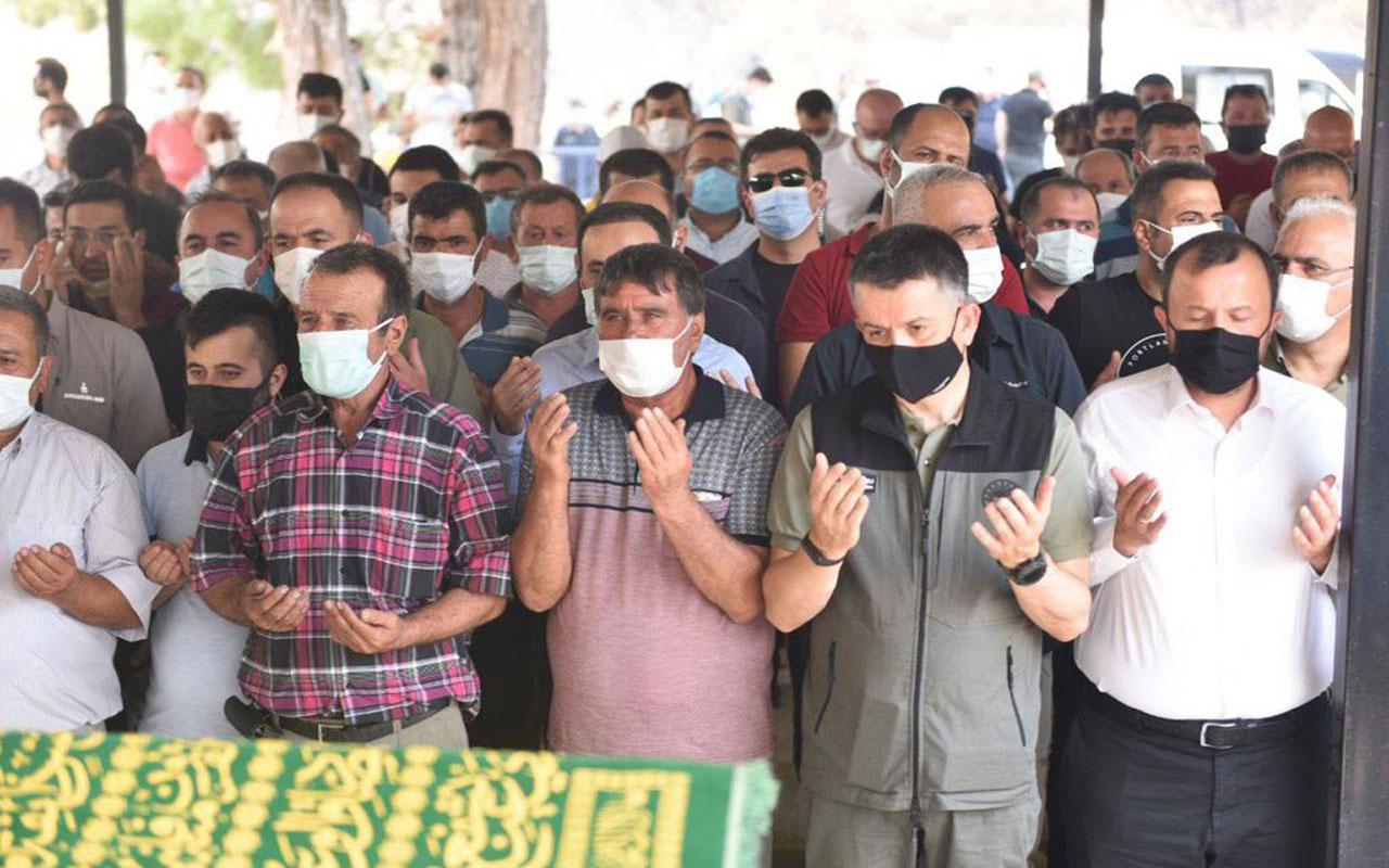 Antalya Manavgat'taki yangında yaşamını yitiren çift toprağa verildi