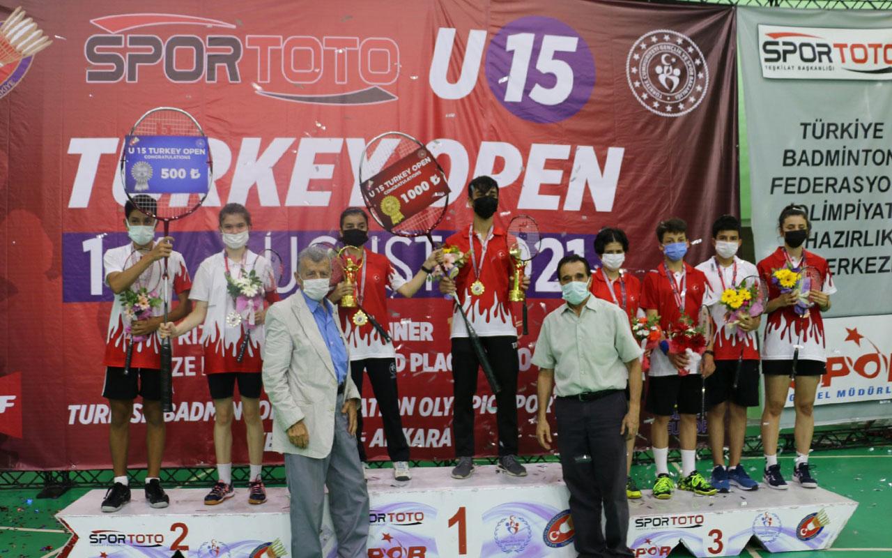 Bursa Osmangazili genç sporculardan çifte başarı