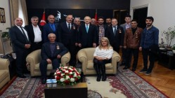 CHP DİLOVASI KILIÇDAROĞLU'NA GİTTİ